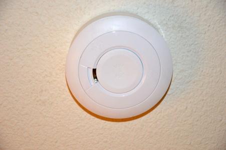Détecteur à fixer au plafond